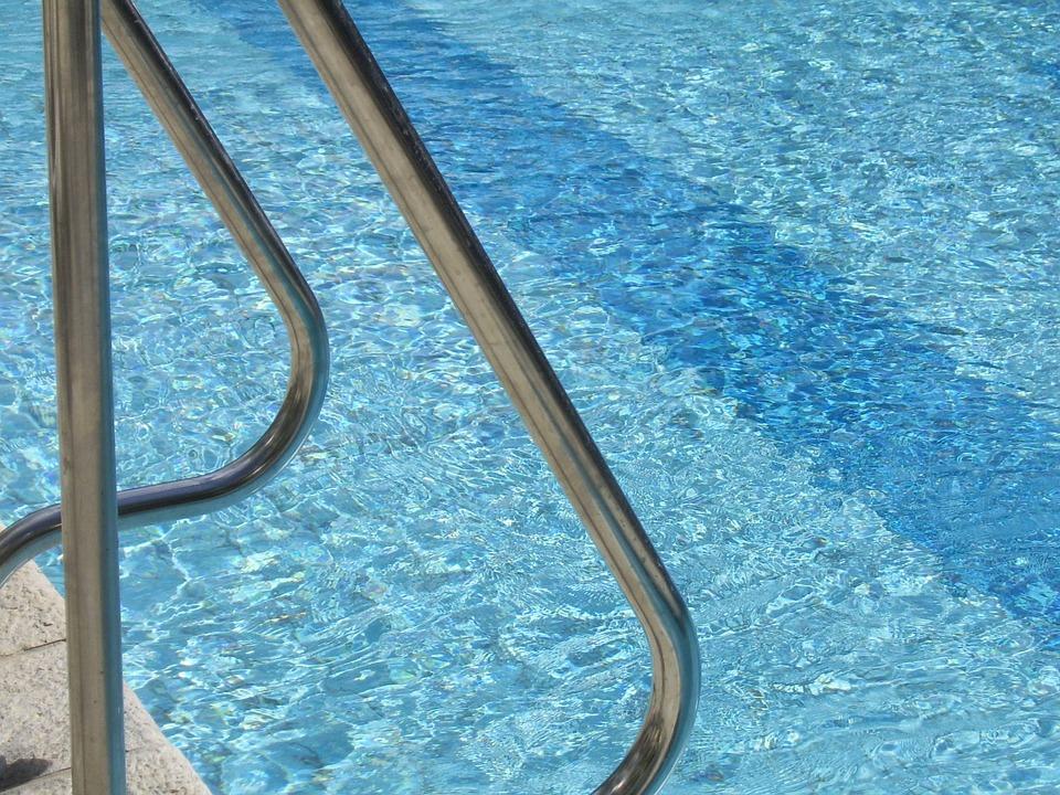 bazénové zábradlí
