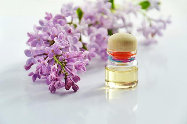 kosmetický olej u šeříku